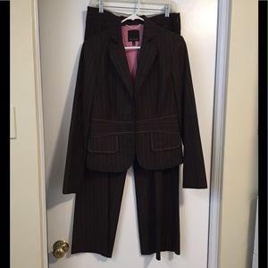 Women's 2 Piece Pant Suit (Matching Blazer & Pant)